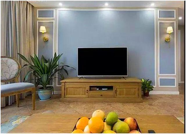 客厅电视墙使用石膏线装修 即美观大气又实用